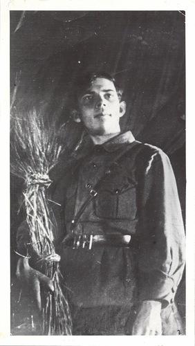 Критик Александр Макаров